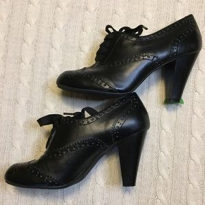 """Witch-y"" Black Oxford lace up pumps 3"" heel sz 8"
